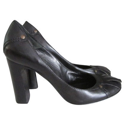 Chloé Black college pumps