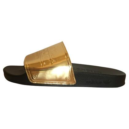 Jeremy Scott for Adidas Gouden slippers