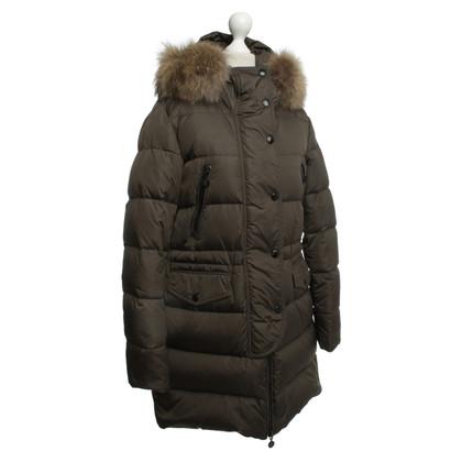 Moncler Cappotto di inverno con finitura in pelliccia
