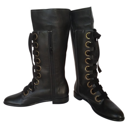 Edmundo Castillo boots