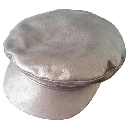 Hermès Silberfarbene Ledercap