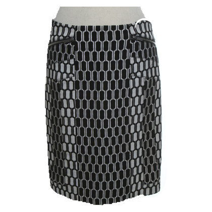 Diane von Furstenberg skirt in black and white