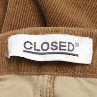 Closed skirt in brown