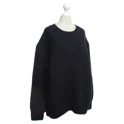 Closed Pullover in Blau
