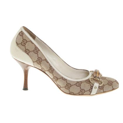 Gucci pumps with Guccissima pattern
