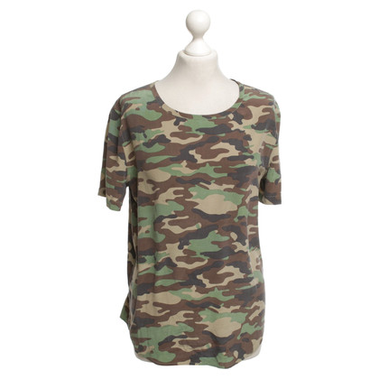 Equipment Silk blouse with camouflage pattern