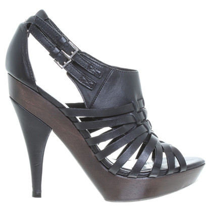 Karen Millen Sandals in black