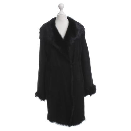 Strenesse Blue Sheepskin coat in black