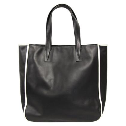 Vince Handtasche in Schwarz
