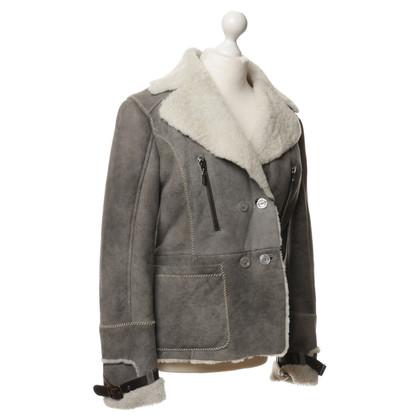 Just Cavalli Giacca in pelliccia di agnello in grigio