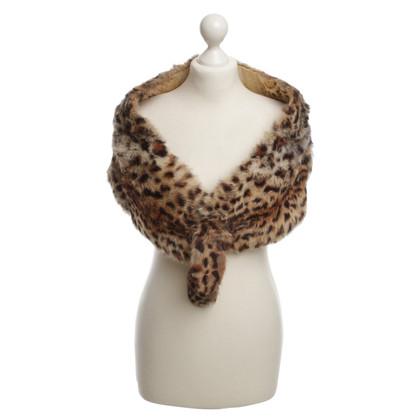 Bogner Schal aus Pelz