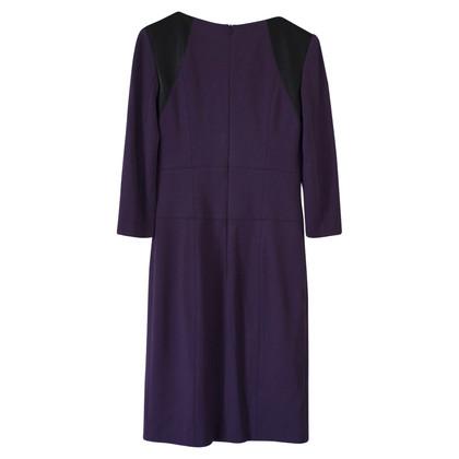 Hugo Boss Form-fitting dress