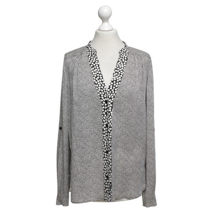 Diane von Furstenberg Silk blouse in cream / black