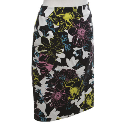 French Connection skirt with a floral pattern