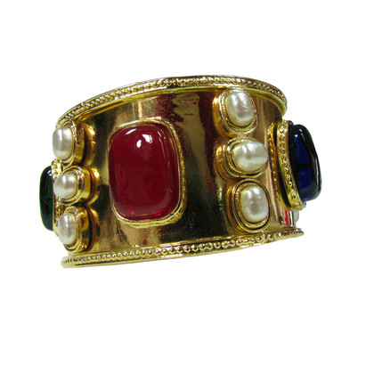Chanel Oh-la-la! Vintage CHANEL Haute Couture GRIPOIX Bangle CABOCHONS & currently