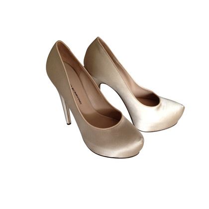 Ermanno Scervino Satin Plateau Pumps in Nude