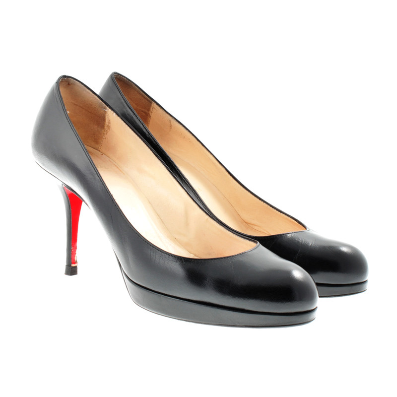christian louboutin schwarze pumps mit roter sohle second hand christian louboutin schwarze. Black Bedroom Furniture Sets. Home Design Ideas
