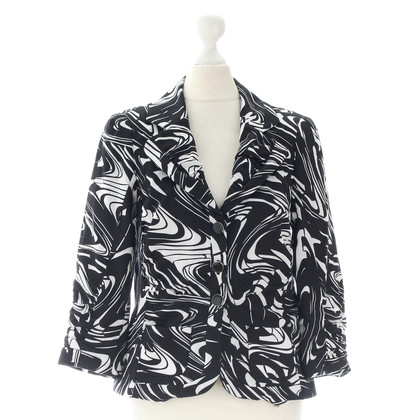 Laurèl Blazer in black and white