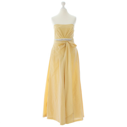 Vera Wang Yellow evening dress