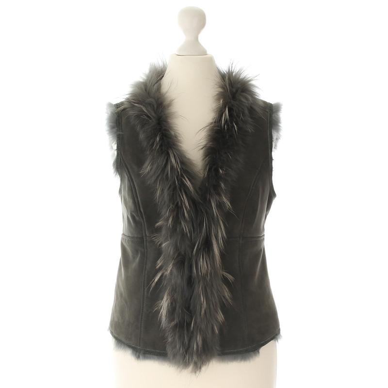 ... Style Butler Fur vest with fur ...