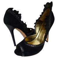 Alexander McQueen MCQUEEN PEEP TOE IN BLACK ROUGH LEATHER + FLOUNCE