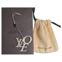 """Louis Vuitton """"LOVE"""" pendant"""
