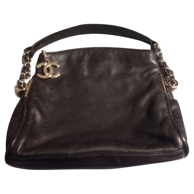Chanel Schwarze Tasche