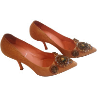 Miu Miu pumps met decoratie