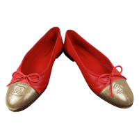 Chanel Ballerinas in red