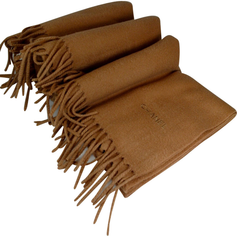 Chanel Cashmere scarf in Brown