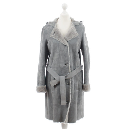 Hugo Boss Light gray lambskin coat