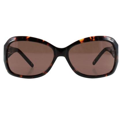 BCBG Max Azria Sonnenbrille in Horn-Optik