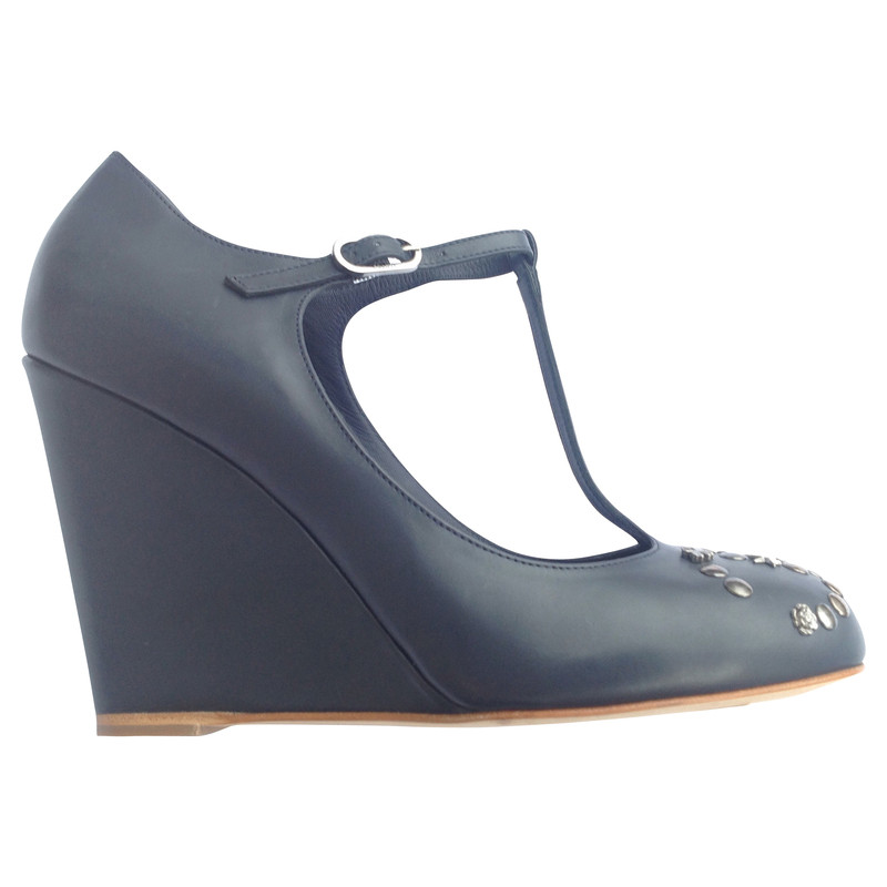 Chanel Wedges mit Nieten in Blau
