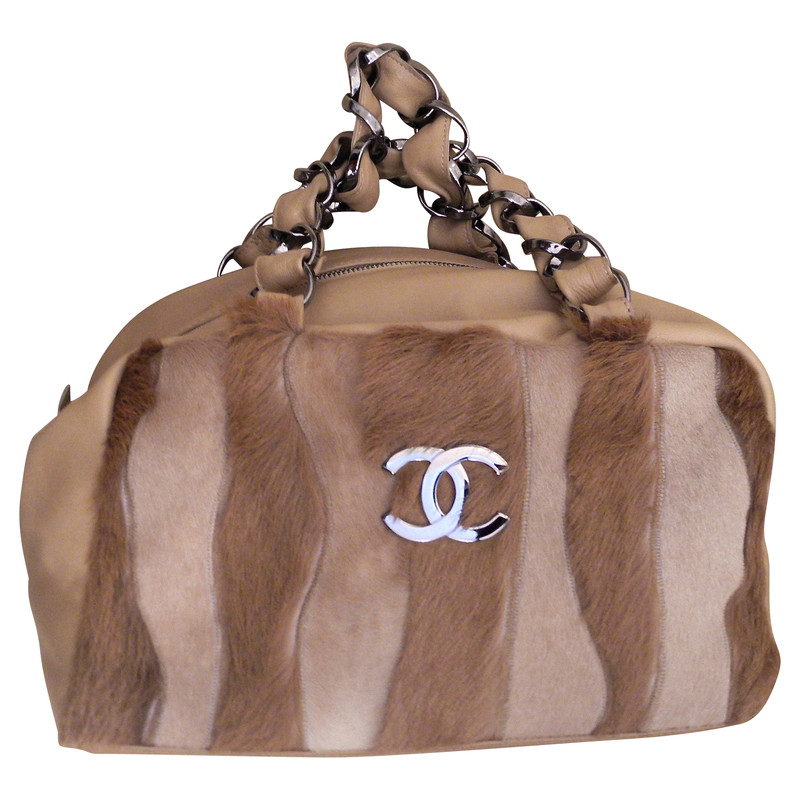 Chanel Leather bag with fur