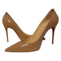 Christian Louboutin pumps decollete in naakt