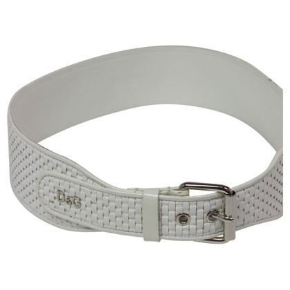 D&G Lacquer belt in the wicker design