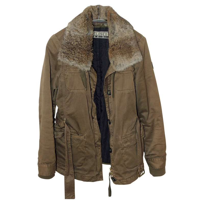 Closed Jacket with fur collar