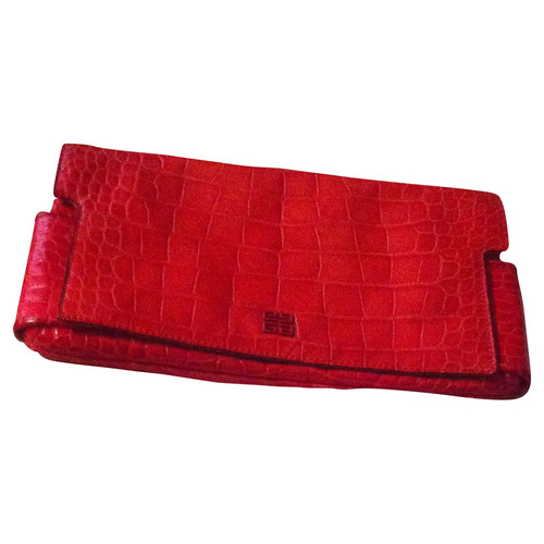 Givenchy Red clutch - Second Hand Givenchy Red clutch buy used for ... 8a3b81a6caf68