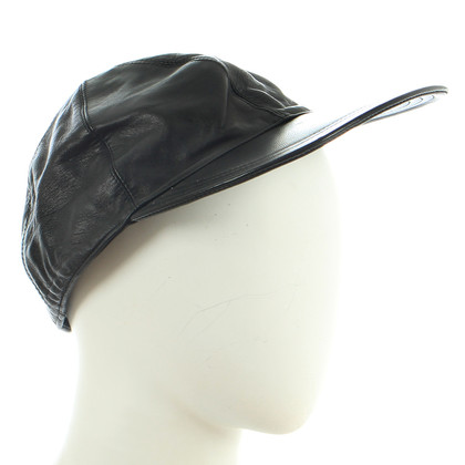 Prada Ledercap in nero