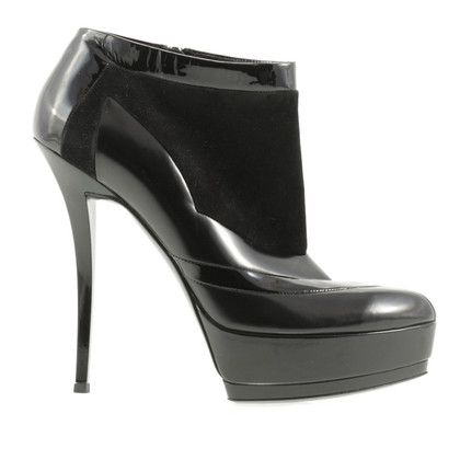 Gucci Black platform of heels