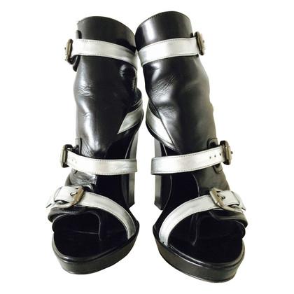 Karl Lagerfeld Heels in silber metallic