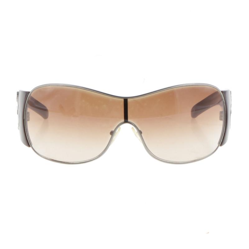 prada sonnenbrille mit breiten b geln second hand prada sonnenbrille mit breiten b geln. Black Bedroom Furniture Sets. Home Design Ideas