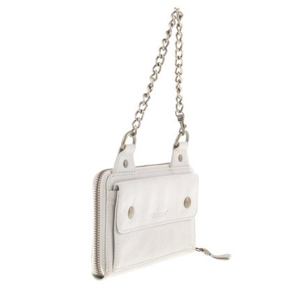 Closed Wallet with chain handle