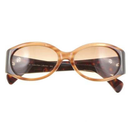 Calvin Klein Sonnenbrille mit Farbverlauf