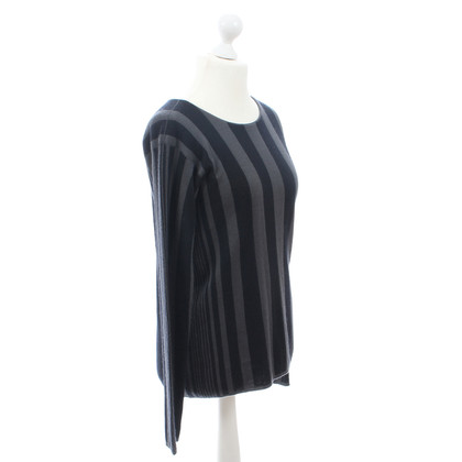 Giorgio Armani Black gray cashmere sweater
