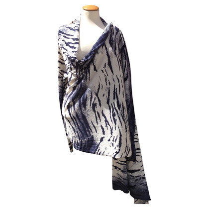 DKNY Cape with pattern