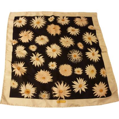 Salvatore Ferragamo Cloth with a floral pattern