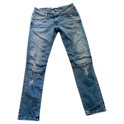 Pierre Balmain Stretch jeans in the destroyed look