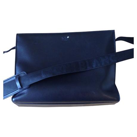 Mont Blanc College Tasche mit langem Gurt Schwarz Kaufen Sie Günstig Online Preis Billig Verkauf Footlocker Freies Verschiffen Preiswerter Preis Ja Wirklich lHo36tiqyw