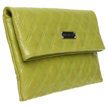 Marc Jacobs clutch in a quilted look